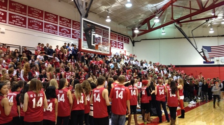 Senior section at the Homecoming Assembly. (J. Van der Linden)